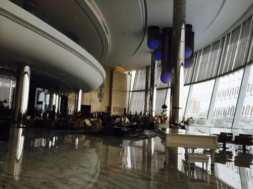 Hotel Jumeirah - art itself!