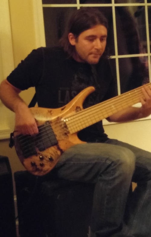 Sweet six string bass